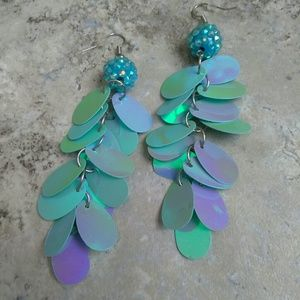 Jewelry - Blue Dangle Irradescent Pierced Earrings
